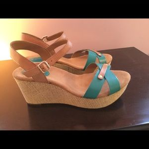 NEW Clarks Turquoise Leather Wedge Sandals 7.5W
